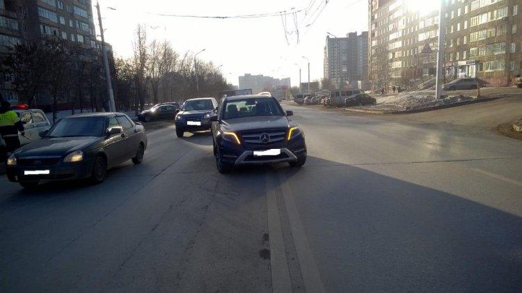 В Уфе автоледи на «Мерседесе» сбила 64-летнюю женщину