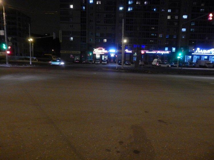В Уфе столкнулись Mazda и Daewoo Nexia, есть пострадавший