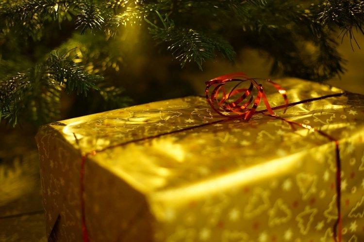 «Ирония судьбы» по-башкирски: женщина вышла из душа и нашла под елкой спящего незнакомца