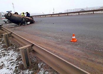 На трассе в Башкирии опрокинулся автомобиль «BYD»