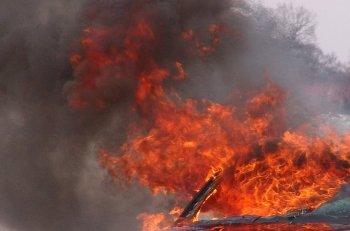 В Стерлитамаке на улице Коммунистическая сгорел Renault Logan