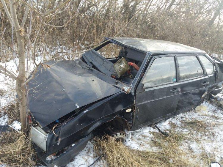 Ночью в Башкирии опрокинулся в кювет ВАЗ-2109, есть пострадавшие