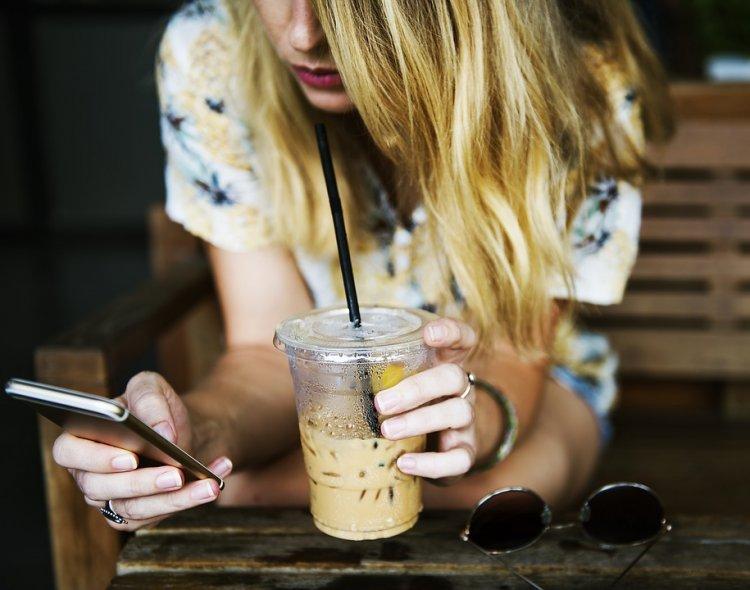 8 действий в социальных сетях, присущих людям с низкой самооценкой
