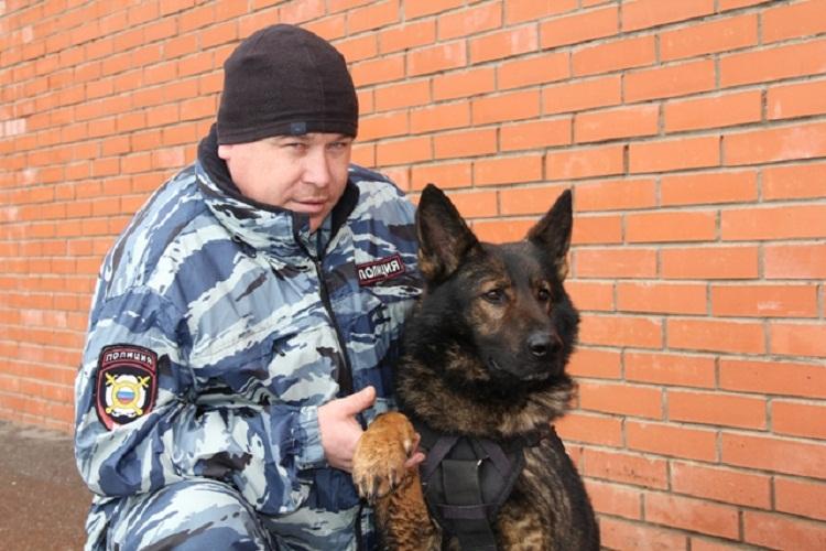 ВБашкирии полицейский женщину сножевым ранением вшею спас