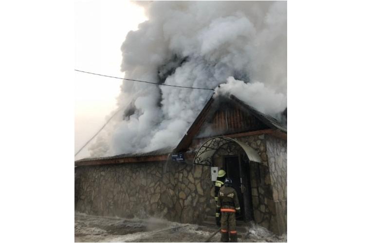В Стерлитамаке по улице Пугачева сгорел дом