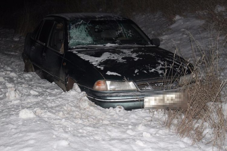 В Башкирии водитель ослепленный фарами встречного грузовика, насмерть сбил пешехода