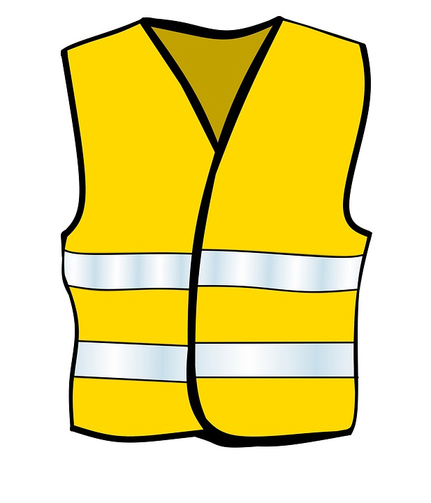 Водители обязаны иметь в машине жилеты из световозвращающего материала
