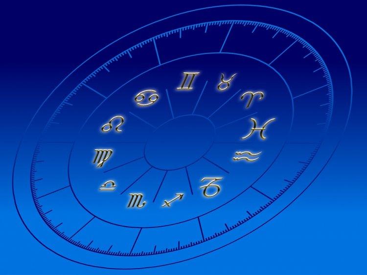Астрологи рассказали, какой месяц будет худшим в 2018 году