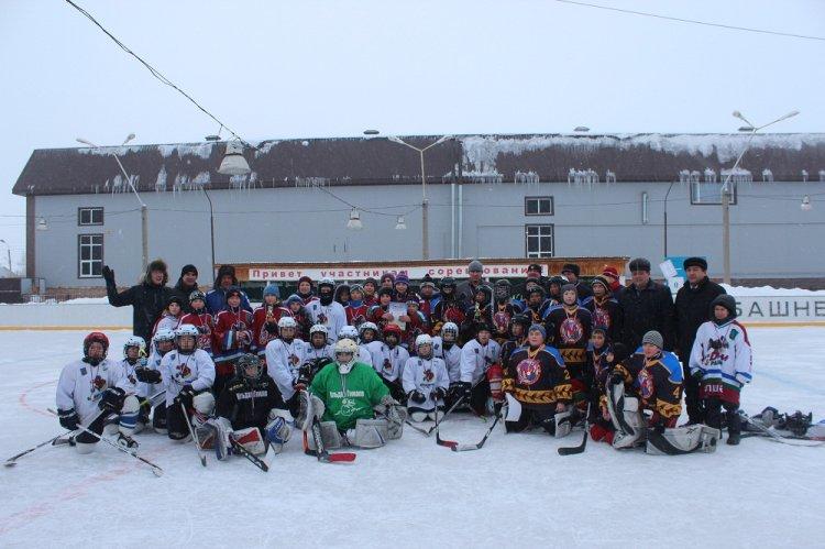 В Башкирии сельские хоккейные команды начали охоту за «Золотой шайбой»