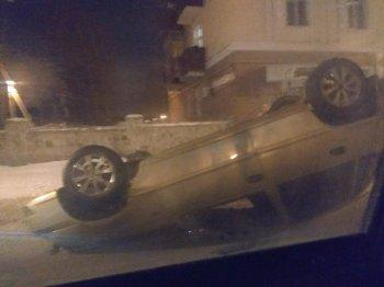 В Стерлитамаке легковой автомобиль опрокинулся на крышу