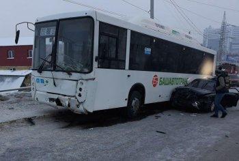 В ГИБДД сообщили подробности массовой аварии на улице Тоннельная в Уфе