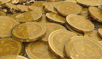 Курс биткоина за сутки обрушился на 25%