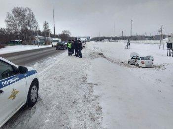 В Салавате автоледи на «Ладе» вылетела в кювет, погибла пассажирка