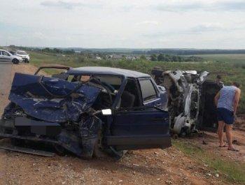 В ДТП в Башкирии погибла 21-летняя невеста, ехавшая на свою свадьбу