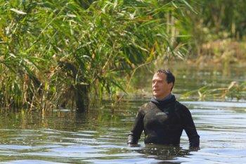 Дмитрий Медведев обязал россиян косить траву
