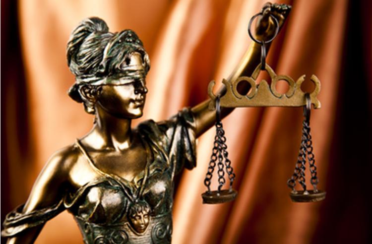 В Уфе адвокат обвиняется в даче взятки начальнику угрозыска