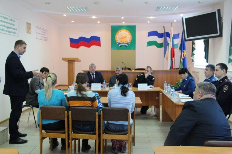Жители Иглинского района пожаловались Михаилу Закомалдину на некачественную медицинскую помощь