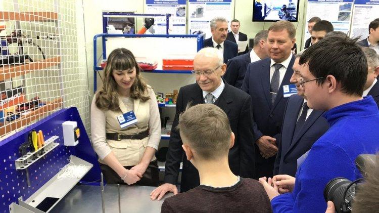 Глава РБ Рустэм Хамитов посетил технопарк и коворкинг в Стерлитамаке