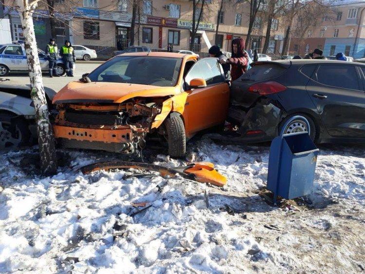 Пять автомобилей и пешеход: в Уфе произошло массовое ДТП