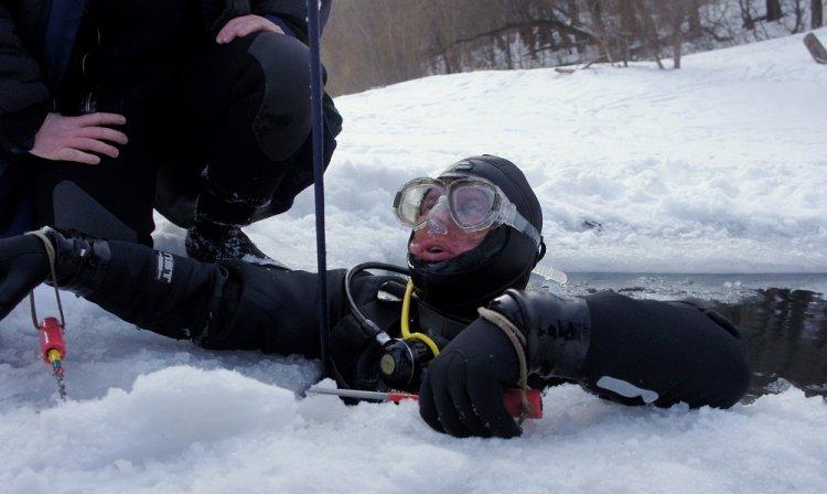 Уфимские спасатели вновь возобновили водолазные поиски пропавшего 29-летнего уфимца