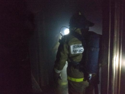 В Салавате в пылающей квартире заживо сгорели два человека