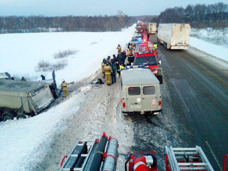 В ДТП с микроавтобусом в Башкирии погибли 9 человек - подробности жуткой аварии