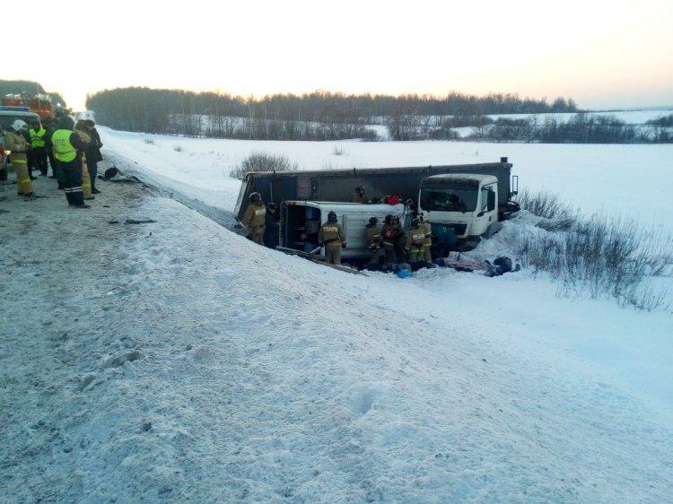 В Башкирии завели дело на водителя грузовика, совершившего ДТП с 9 погибшими
