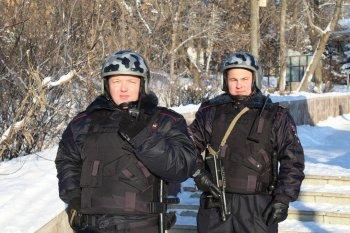 В Уфе сотрудники  вневедомственной охраны  за 15 минут задержали четверых подозреваемых в хранении наркотиков