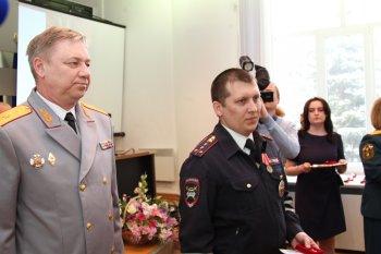 Двух сотрудников полиции города Уфы наградили медалями «За отвагу на пожаре»