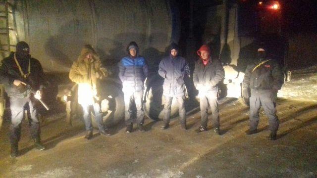В Башкирии при силовой поддержке ОМОНа Росгвардии задержаны подозреваемые в хищении нефтепродуктов