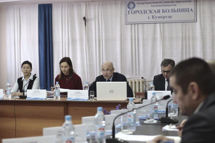 Министр здравоохранения Башкирии провел селекторное совещание с руководителями медицинских организаций