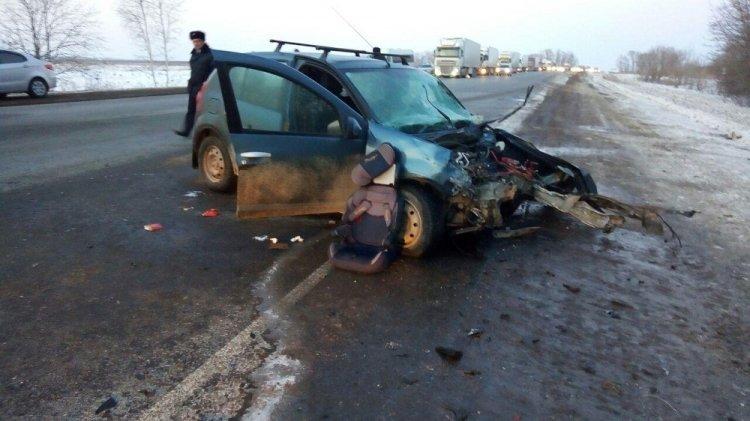 Семья с ребенком попала в смертельное ДТП на трассе М-5 в Башкирии