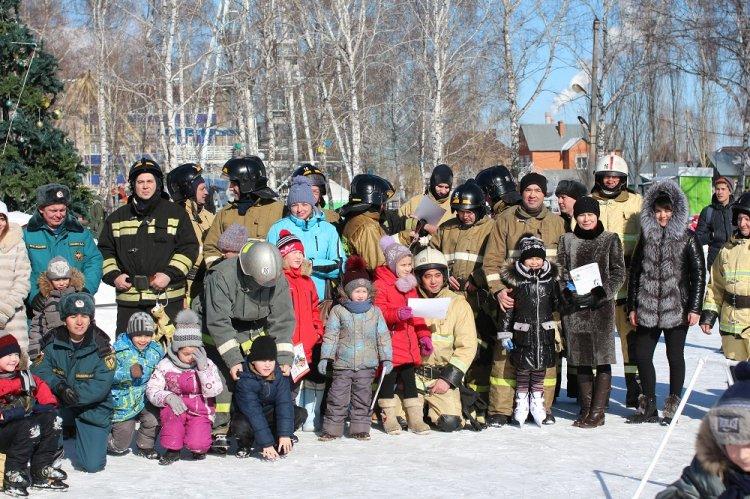 В Стерлитамаке прошёл пожарно-спасательный флешмоб