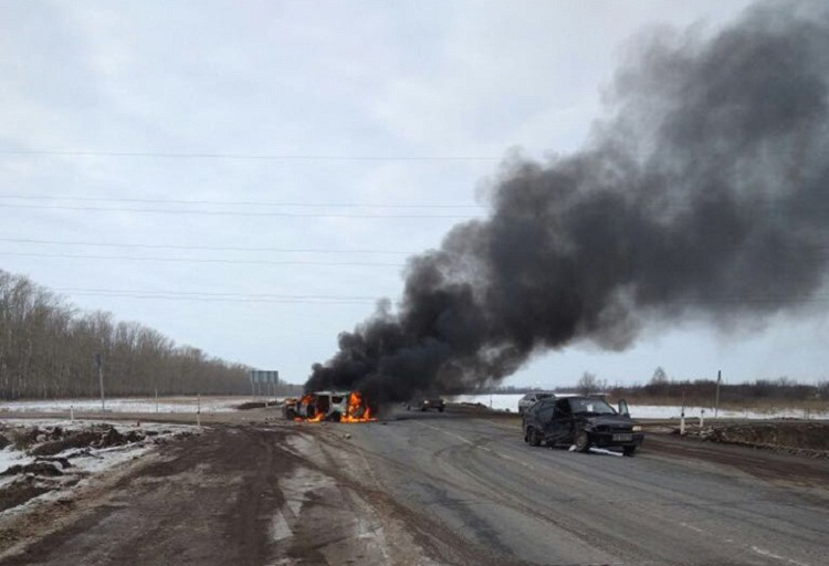 В Башкирии после ДТП дотла сгорел автомобиль «Лада Ларгус»