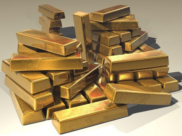 В России из оторвавшегося люка самолета Ан-12 выпало 9 тонн золота