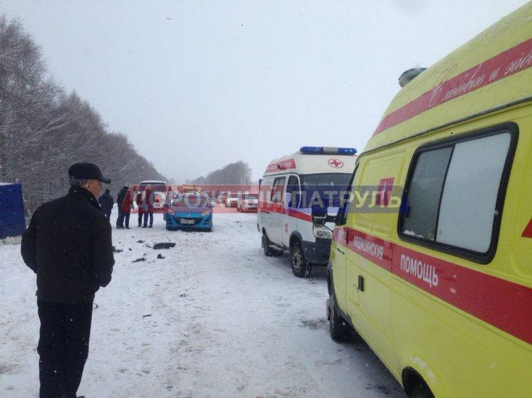 На трассе в Башкирии столкнулись более 10 автомобилей, есть пострадавшие
