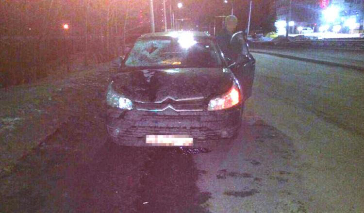 Ночью в Уфе автомобиль сбил 36-летнего пешехода