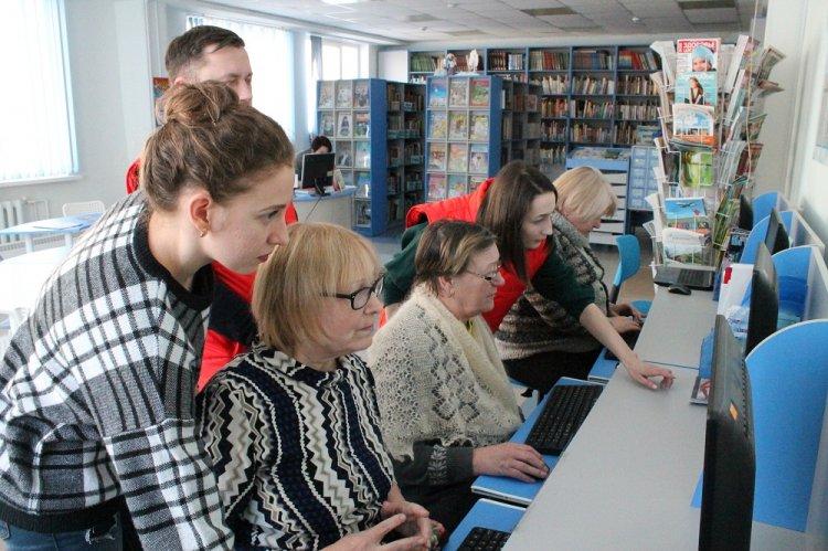 Команда «Молодежки ОНФ» в Республике Башкортостан провела урок компьютерной грамотности для пенсионеров