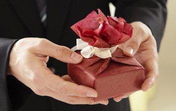 Очень плохие подарки, которые нельзя никому дарить