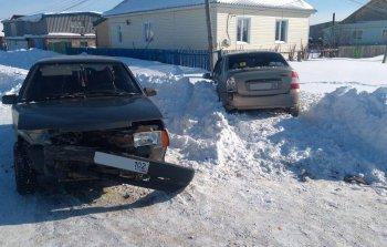 Две женщины пострадали при столкновении двух легковушек в Башкирии