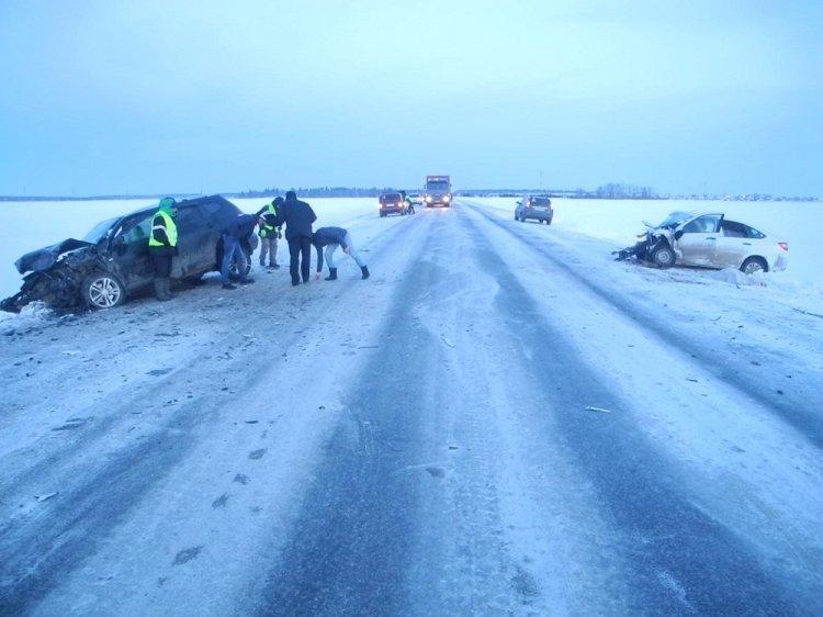 Автоледи погибла в тройном ДТП на трассе в Башкирии