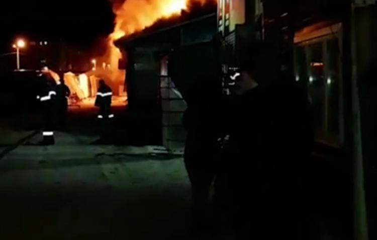 В Нефтекамске на Центральном рынке произошел крупный пожар
