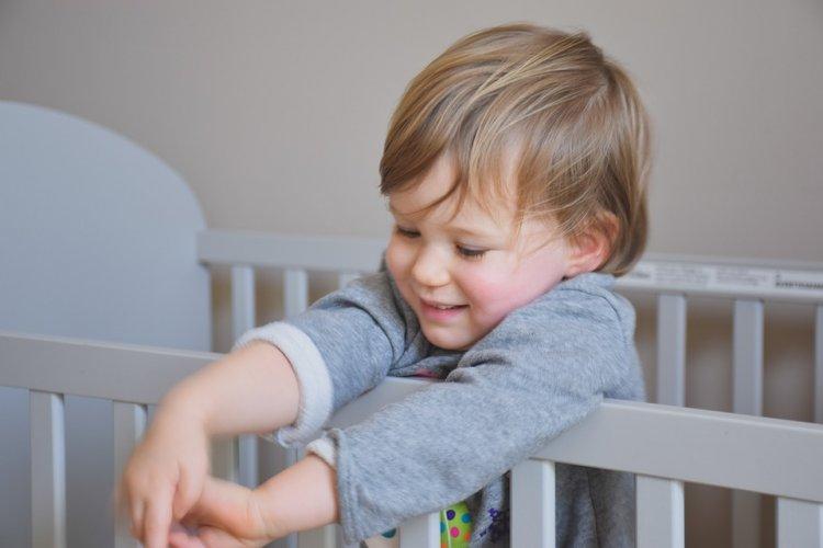 Роскачество завершило исследование кроваток для детей до трех лет