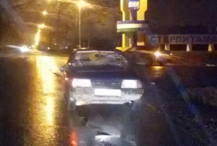 Под Стерлитамаком автомобиль сбил двух пешеходов