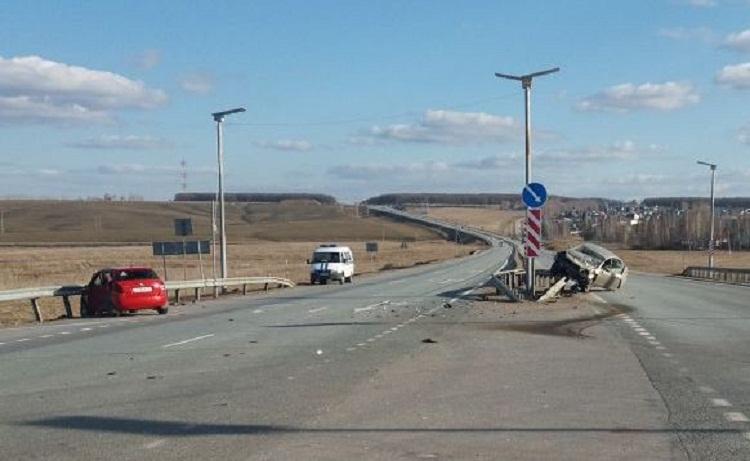 В ДТП на трассе в Башкирии с «Skoda» разбились супруги из «Nissan»