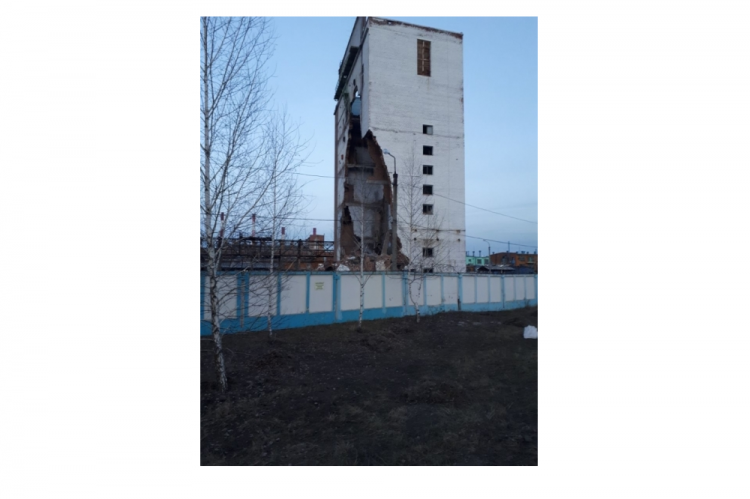ВСтерлитамаке обрушилось строение  заводского цеха
