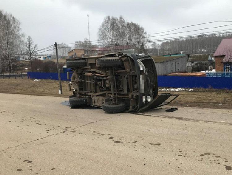 ДТП в Башкирии: ГАЗ «опрокинул» УАЗ