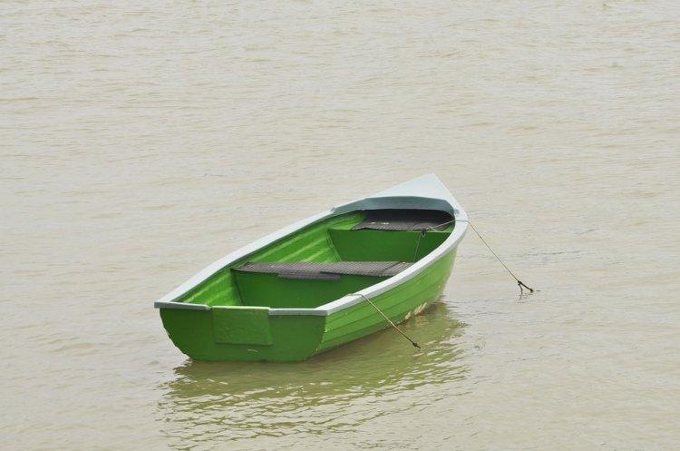 В Уфе на реке Деме перевернулась резиновая лодка с 2-летним ребенком