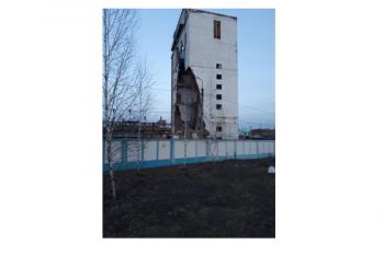 В Стерлитамаке частично обрушилось 9-этажное здание цеха предприятия «Синтез-Каучук»