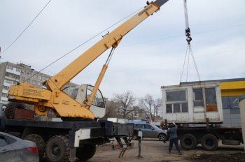 В Уфе судебные приставы контролировали принудительный снос шиномонтажной мастерской
